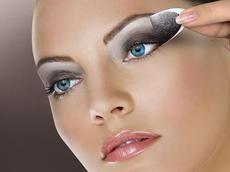 Правильно красить глаза карандашом или тушью